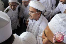 Rizieq Shihab ke Indonesia 15 Agustus menurut pengacaranya