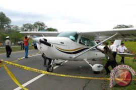 Cessna yang jatuh di Papua, diduga tabrak tebing