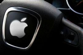 Mobil swakemudi Apple ditabrak Nissan Leaf saat uji coba
