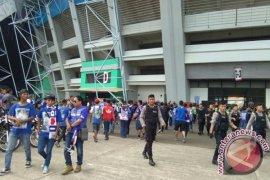 Bobotoh Mulai Padati Stadion GBLA