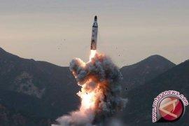 Korea Utara Pakai Truk China Pamerkan Peluru Kendali Kapal Selam