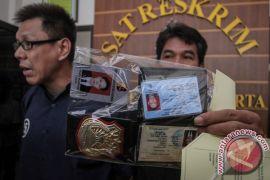 Petugas lumpuhkan polisi gadungan