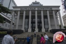 Profil  sembilan Hakim MK yang mengadili sengketa pemilu
