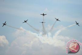 TNI AU pamerkan pesawat tempur di Dirgantara Expo