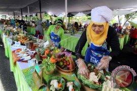 Makanan tradisional Indonesia ludes disantap warga Laos