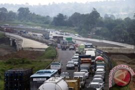 Masyarakat Sukabumi harus manfaatkan Tol Bocimi