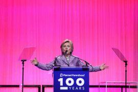 Hillary Clinton muncul di Grammy, sindir Trump