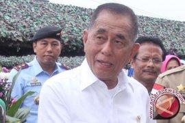 "Tiga Menhan resmikan patroli maritim ""Indomalphi"""