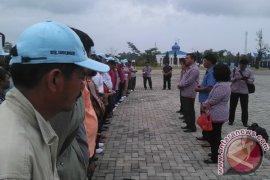Amran Berangkatkan Kontingen Simalungun ke Penas Aceh