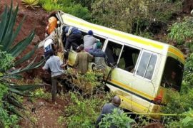 15 anak cedera akibat kecelakaan bus sekolah di India