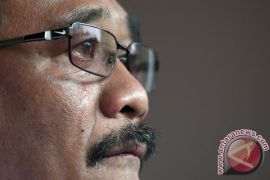 Djarot tak kuasa menahan air mata lantunkan lagu nasional bersama warga