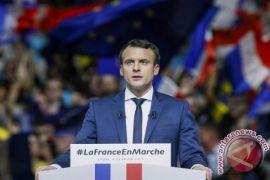Oposisi, pengguna twitter Prancis kecam rencana Macron tumpas berita palsu