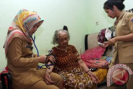 Kementerian Kesehatan tempatkan enam dokter spesialis di Supiori