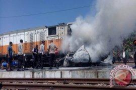 Mobil Terseret Kereta di Grobogan, Empat Tewas