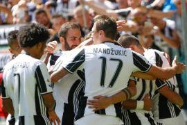 Juventus tekan Napoli usai tundukkan Genoa 1-0