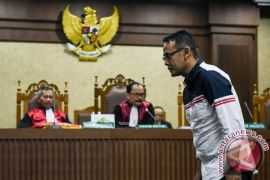 Fahmi Darmawansyah divonis dua tahun delapan bulan