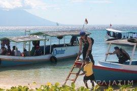 Ditpolairud Polda Jatim Patroli ke Pulau Tabuhan Banyuwangi
