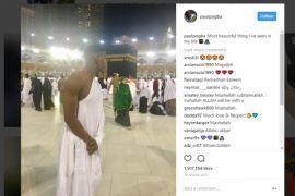 Jelang Piala Dunia, Paul Pogba pergi umrah