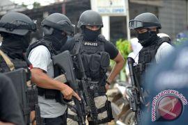 Densus 88 tangkap lima terduga teroris di Riau