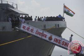 Kapal perang AL India berlabuh di Makassar