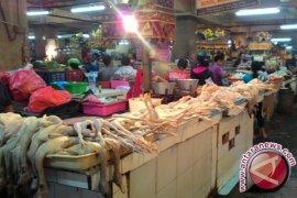 Kenaikan Harga Daging Ayam Picu Inflasi Singaraja