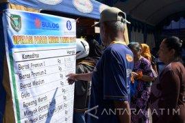 Bulog Madiun Gelontorkan 8,3 Ton Beras ke Pasar