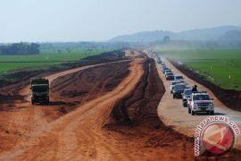 Aksi blokir jalan tol Batang-Pemalang meluas