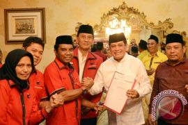 Nurdin Halid daftar calon PDIP untuk Pilgub Sulsel