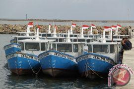DKP Bangka salurkan bantuan sembilan kapal nelayan 2-3 GT