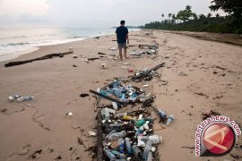 Menteri Susi tantang Ridwan Kamil buat perda larangan plastik