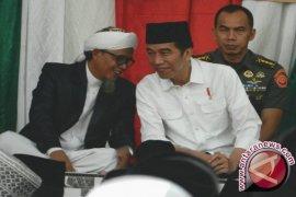 Jokowi telepon Syekh Tamim dan Erdogan bahas Qatar