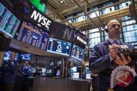 Wall Street berakhir bervariasi karena sektor teknologi tertekan