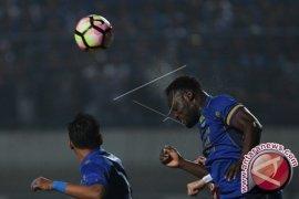 Persib Bandung kalahkan Arema 2-0