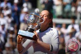 Jelena Ostapenko juarai Prancis Terbuka