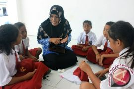 Kabupaten Teluk Wondama, Papua Barat kekurangan guru