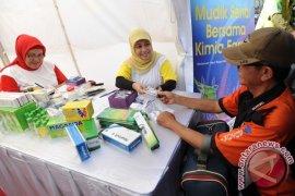 Polrestro Bekasi berikan pengobatan gratis bagi masyarakat