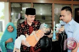 Gubernur bantu pengobatan anak penderita radang paru-paru