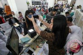 Pelayanan KTP-E di Karawang tersendat akibat terbatasnya blanko