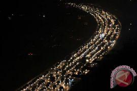 Otoritas tol Jakarta-Cikampek rekayasa arus lalu-lintas