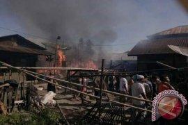 Tiga Rumah Terbakar,  Satu Balita Tewas
