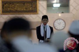 Imam Besar Istiqlal : Puasakan diri dari madharat