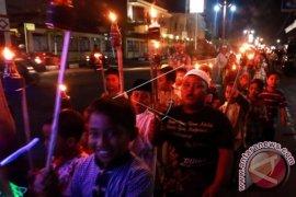 Perayaan Malam Takbiran di Ambon Tanpa Konvoi