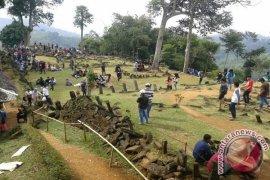 Penataan fasilitas situs Gunung Padang dipercepat