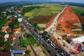 Pengerjaan jalan tol Semarang-Batang dikebut