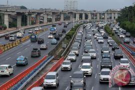 Tiga lajur Tol Jakarta-Cikampek akan ditutup