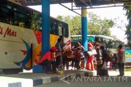 Penumpang di Terminal Bojonegoro Didomanasi Ke Purabaya