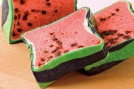 Roti tawar ini berbentuk semangka kotak
