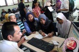46.000 siswa bersaing mengisi 14.544 kursi di 56 SMP negeri Bekasi