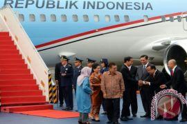 JK sambut kedatangan Presiden di Lanud Halim