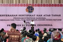 Presiden Jokowi menyebut tiga provinsi dikaji sebagai ibu kota